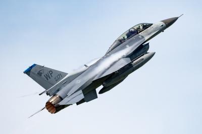 soku_36188.jpg :: 乗り物 交通 航空機 飛行機 軍用機 戦闘機 F-16D WolfPack